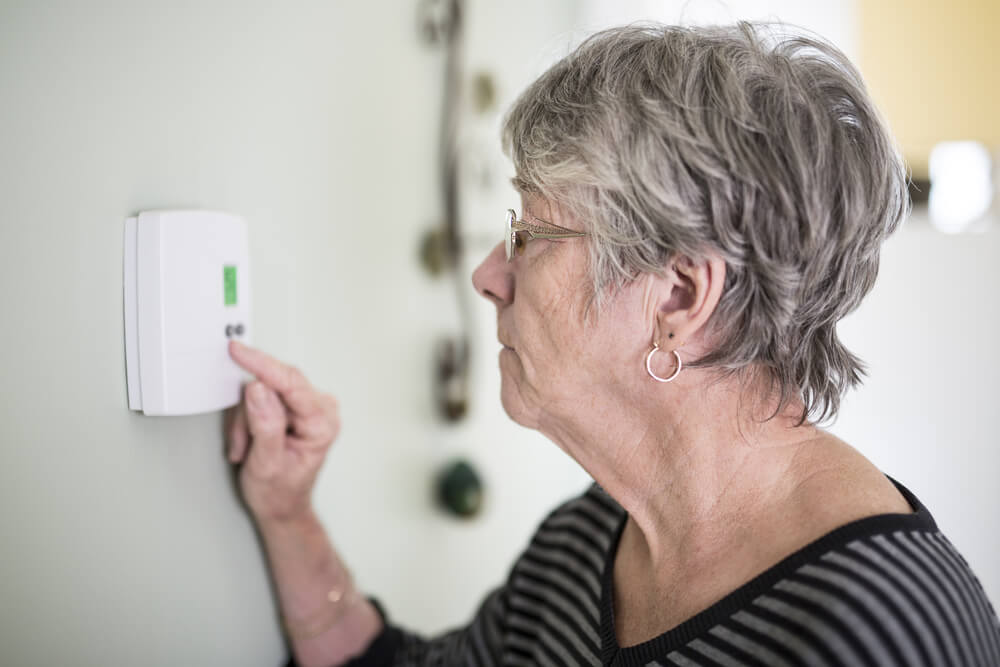 What is the Ideal Room Temperature for an Elderly Person